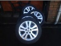 Astra/zafira alloy wheels with tyres