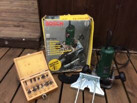 Bosch plunge woodworking router & bits