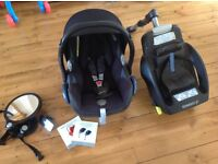 Maxicosi cabriofix and easyfix base £60