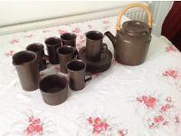 6 piece coffee set.coffee coloured.
