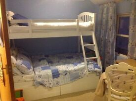 TWIN ROOM TO SHARE