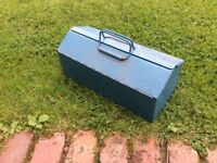 Metal tool box with inner tray; barn type