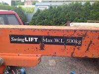 Swing lift crane