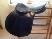 Horse GP saddle, English Spring Tree, black leather, good condition.
