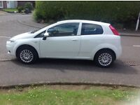 60 PLATE FIAT GRANDE PUNTO SOUND / 1.4 cc / 3 DOOR / WHITE / ONLY 36650 MILES / GOOD CONDITION
