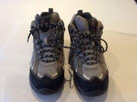 Walking boots unisex Merrill size Uk4 EU 37 excellent condition