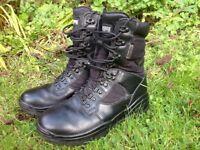 Hi-tech Magnum Elite 900 men's boots - UK size 8