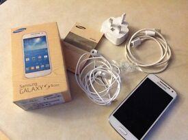 Samsung Galaxy 4 mini.