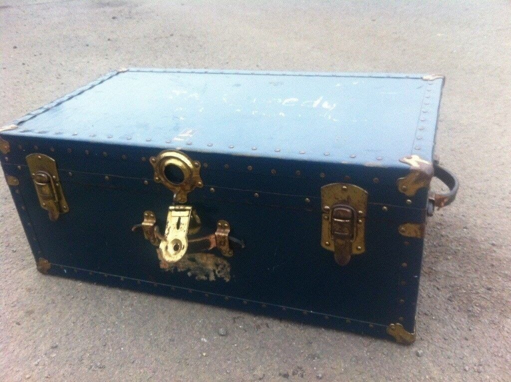 Shipping trunk suitcase
