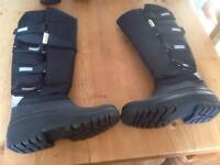 Mens all weather boots BNWT