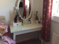 Almost New Dressing Table with Mirror and Drawers.