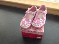 Girls Lelli Kelly shoes, pink & white, size 32, excellent condition