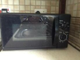 Basic Microwave Oven
