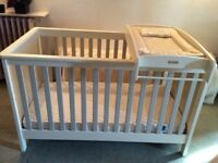 Mamas and Papas Cot/cot bed