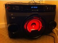 LG 220w Wireless Megasound Hi-Fi Bluetooth,Aux,cd,USB,radio,karaoke,auto dj ... Etc