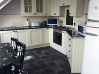 Short Term/Holiday Let. 3 Bedroomed Apt. From £25 pppn