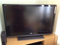 42INCH TV TOSHIBA WITH REMOTE CONTROL AND WALL BRACKET
