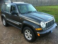 2005 JEEP CHEROKEE LIMITED 2.8 CRD 4X4 DIESEL AUTOMATIC . EXCELLENT CONDITION THROUGHOUT