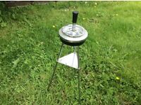 Vintage ash tray with tripod legs