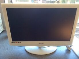 Technika TV/DVD combi in white - 21.6 inch