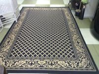 Rug in black and cream