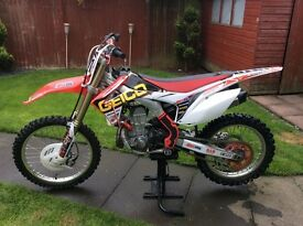 Honda CRF 450 R World Edition 2013 EFI model
