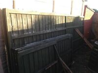 Fence pannels of various sizes all in good condition.