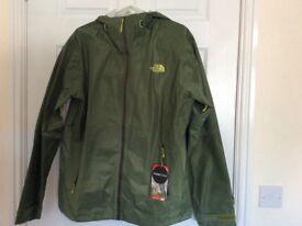 North face rain jacket size Large Green/white bnwt