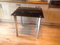 KITCHEN TABLE / GLASS TOP CHROME LEGS