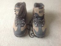 Female Cotton Trader walking boots