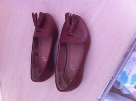 Infant 7 girls tan shoes