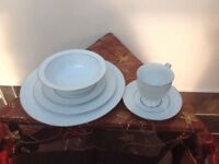 Ideal for Xmas Dinner. Noritake Silverdale (N490) Fine China Dinner Service