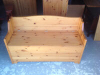 Solid pine monks bench bedding chest