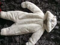 Gorgeous snowsuit unisex 0-3 months