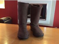 Ugg boots, ladies size 5