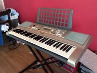 Yamaha Electric Keyboard PSR-E313 for sale in good condition.