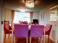 Lovely spacious rooms in a nice house near town centre