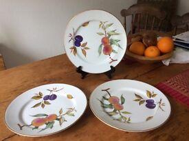 Royal Worcester Evesham dinner plates. .