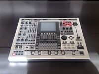 Roland MC-909 sampling groovebox, Supreme dance card, max ram, MC909 (mint)