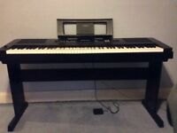 Yamaha DGX650 digital piano 88 Keys in black plus pedal plus stand