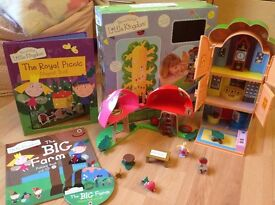 Ben and Holly Elf Tree house and Toadstool figurine toys with two books excellent condition