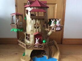 Slyvanian old oak tree house, in excellent condition also the rabbit family comes with it.