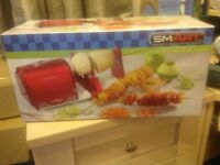 Bnib 50's style electric spiralizer, slicer and,peeler c/w book on how to make spiralizing fun