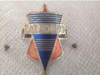 Vintage Halfords Crest Badge (1975)