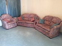 Like New 3 , 2 and 1 seater sofas