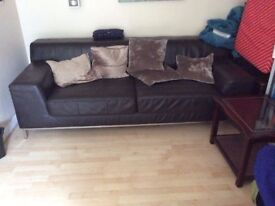 3 SEATER BEAUTIFUL LEATHER SOFA WITH LONG LIFE TO GO NEEDS NEW HOME