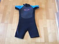 TWF childs wetsuit size K08 (approx 7-8)