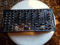 Behringer VMX1000 USB DJ Mixer