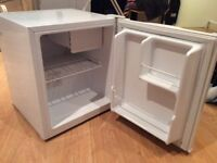Mini Fridge Cooler in a very good condition