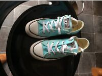 CONVERSE WORN ONCE SIZE 4